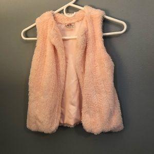 Girls size 6x faux fur vest blush color